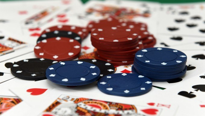 Once the poker celebrities are full, Full Tilt works this week