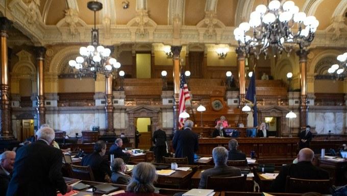 Kansas Sports Betting Bill Advances After Senate Approval
