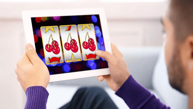 Spielautomaten-Funktionen erklärt: Begriffe, Gewinnlinien, Symbole