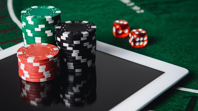 Scientific Games Corp., Playtech Make Distribution Deal