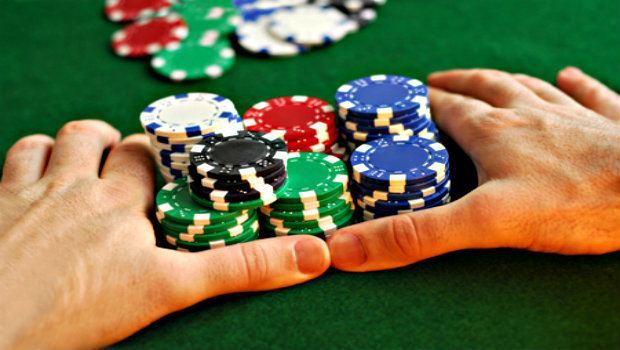 Casino Etiquette: How to Act During a Live Poker All-in