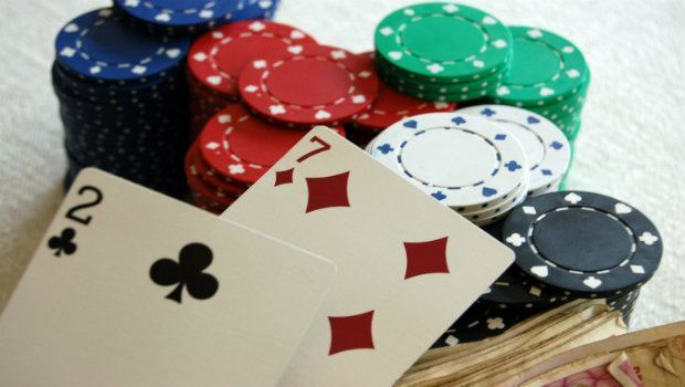 The Worst Hand in Texas Hold'em Poker
