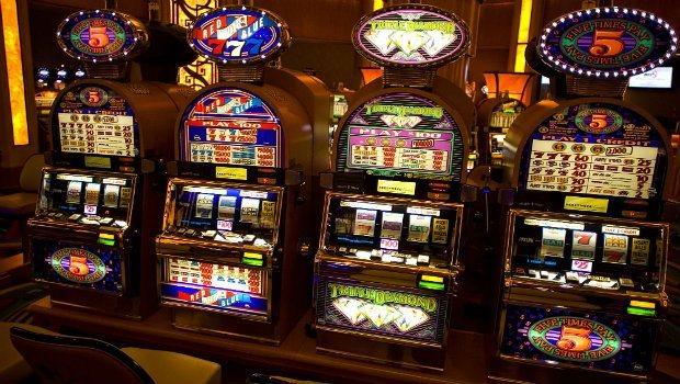 En guide till slotmaskiner på riktiga casinon