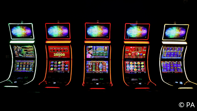 8 Helpful Tips for Playing Pokies