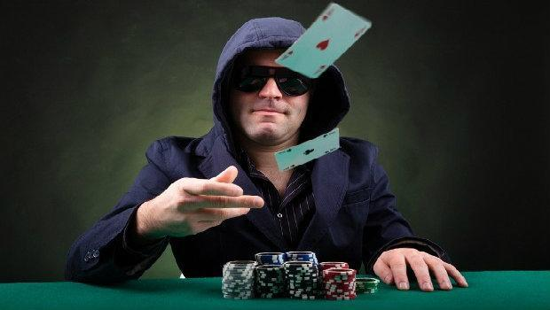 Advanced Poker Strategy: Fold Equity