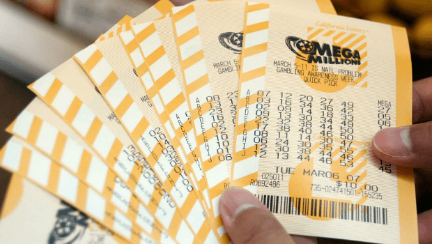 Mega Millions and Powerball Both Top $400m for Next Draws