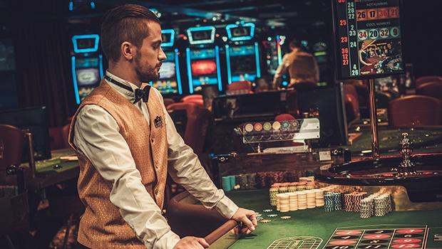 Indblik i jobbet som casino dealer