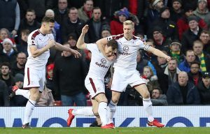 Burnley v Manchester United Match Preview & Free Bets