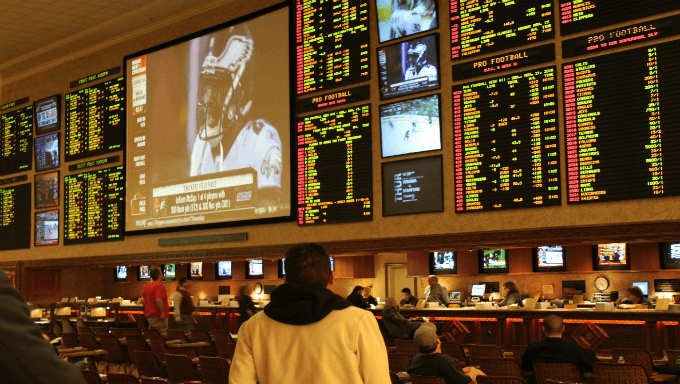 Vegas Odds-making Icon Leaves Wynn For DraftKings