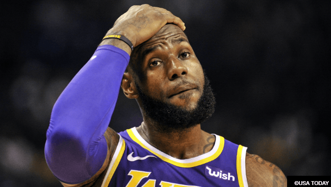 Oddsmakers Expecting Lakers, LeBron to Miss the Playoffs