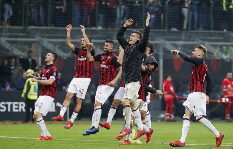 Milan favoriter i det viktigaste derbyt på många år