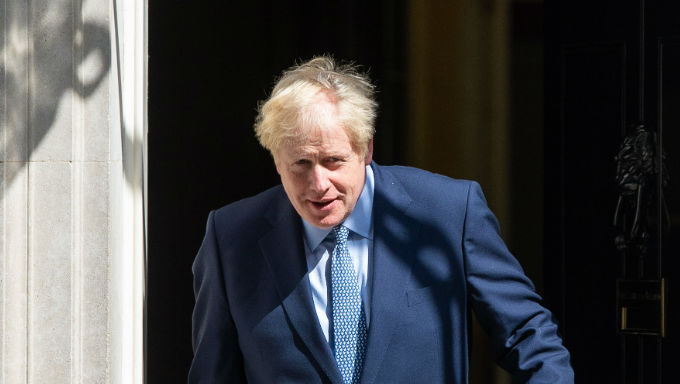 Johnson tells officials to make no-deal Brexit planning 'top priority'