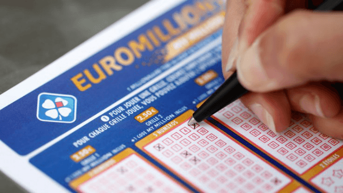 EuroMillions: New UK Lottery Record As 1 Ticket Nets £170m