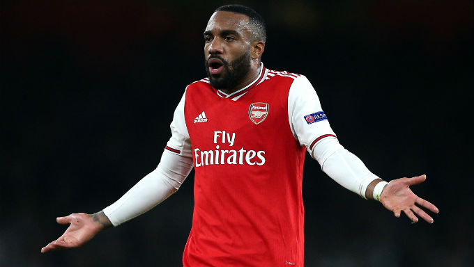 Should Arsenal Pawn Alexandre Lacazette While They Still Can?