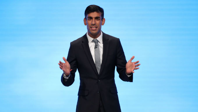 Rishi Sunak Level With Keir Starmer To Be Next Prime Minister
