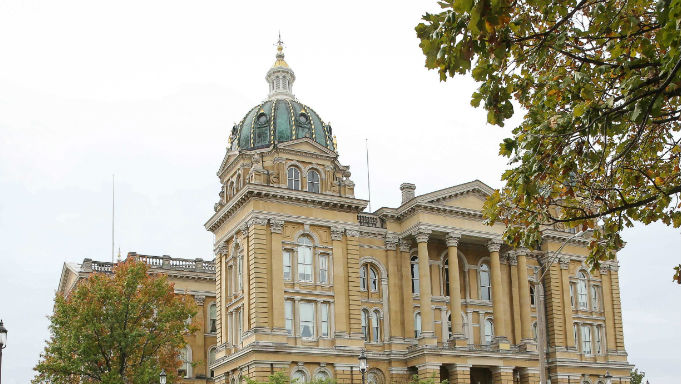 Iowa October Sports Betting Handle Up 13% to Record $81.9M